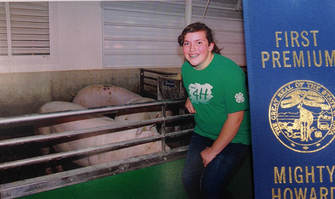 Audrey Ferrie with swine project