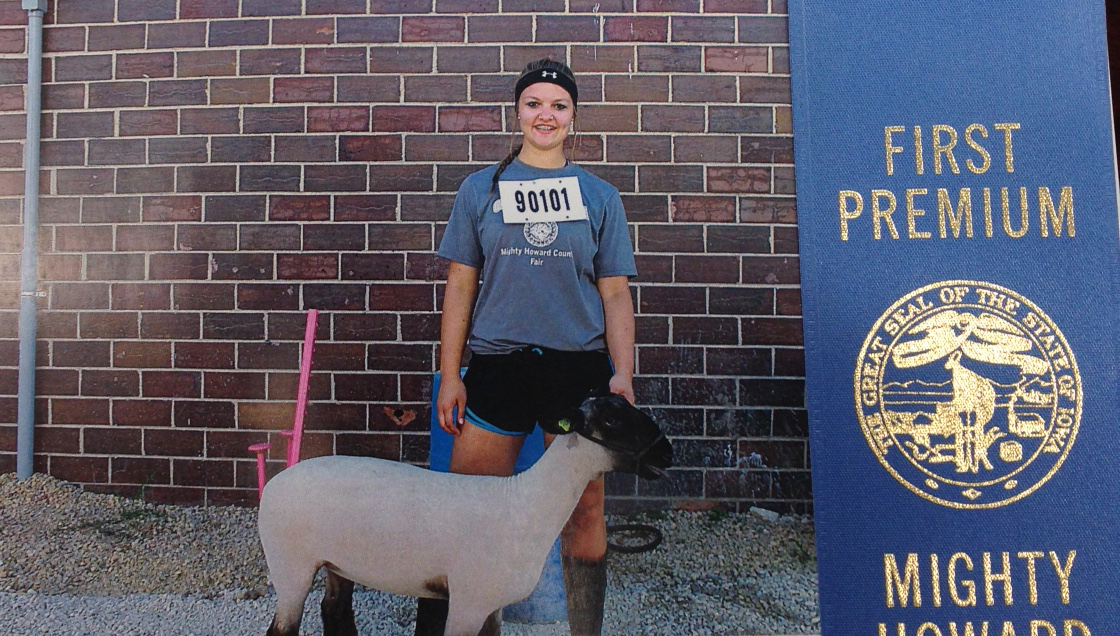 Kayleigh Dietel with sheep project