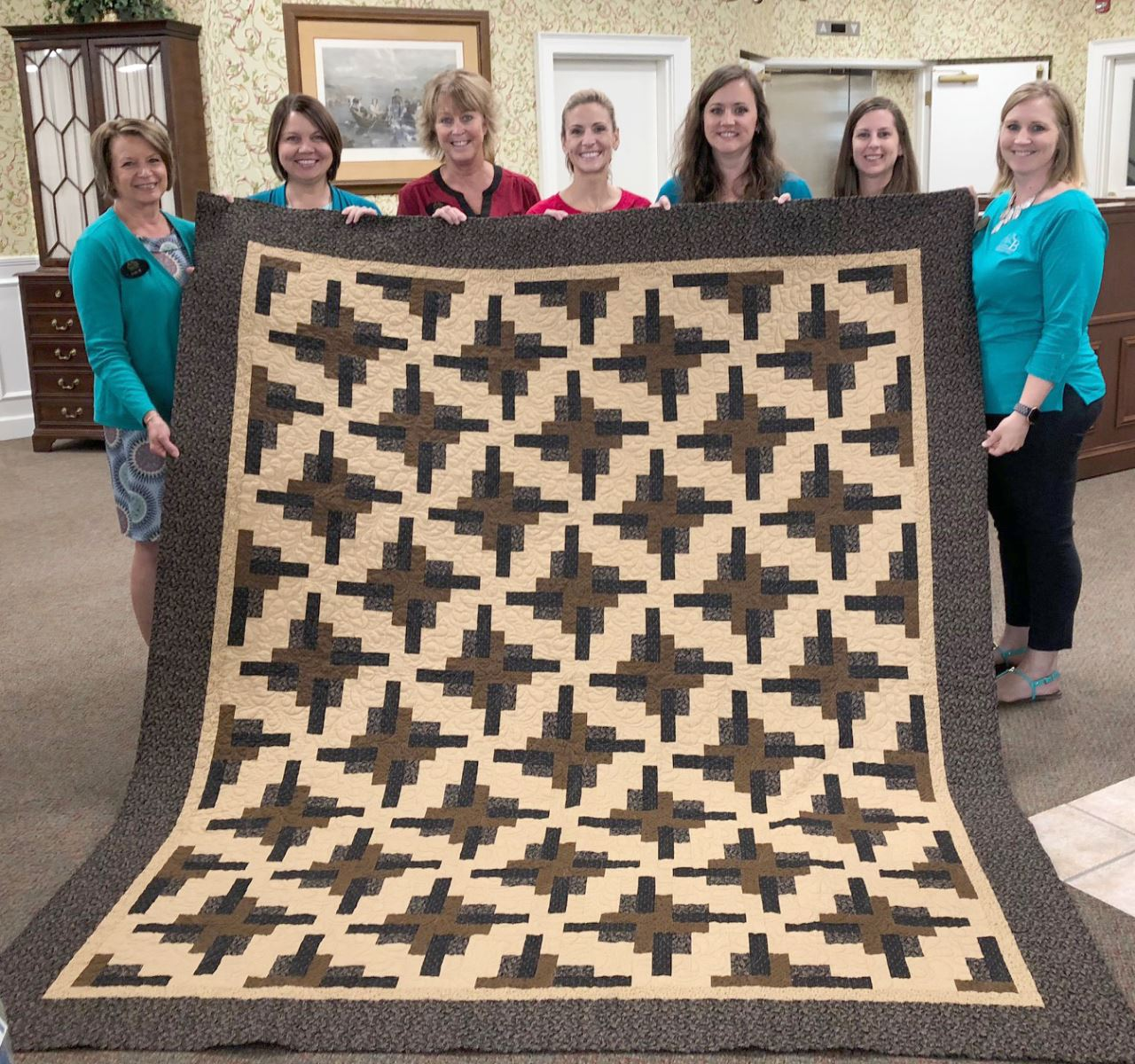 CUSB Bank donates quilt to RHSHC Annual Quilt Auction
